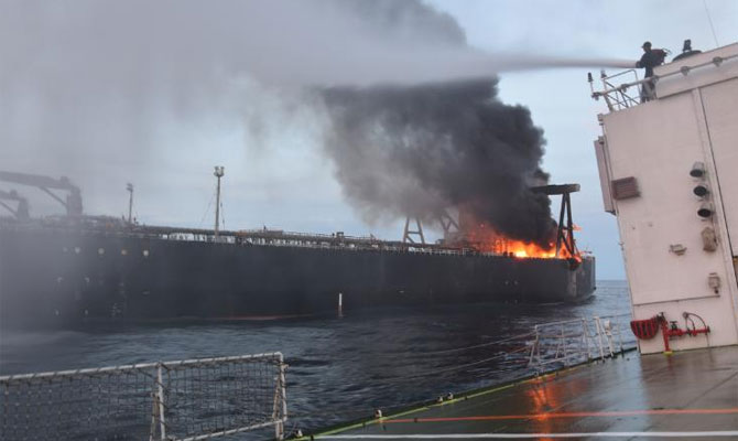 Flotilla from Sri Lanka, India try to douse oil tanker fire